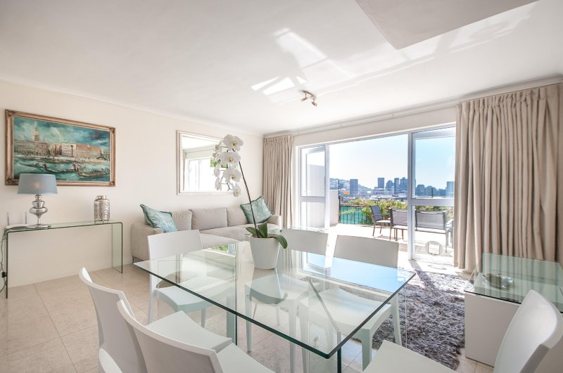 3 Canterbury Square, holiday rental in Cape Town Central