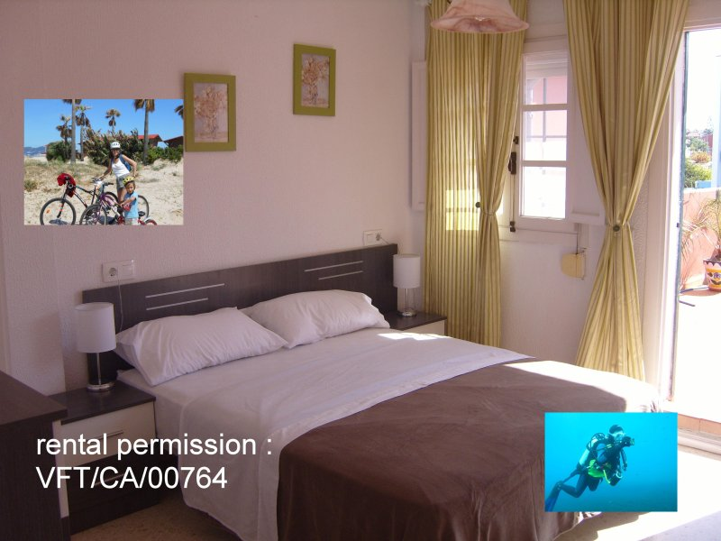 Holiday double bedroom with roomsbikeanddive, casa vacanza a Sandy Bay