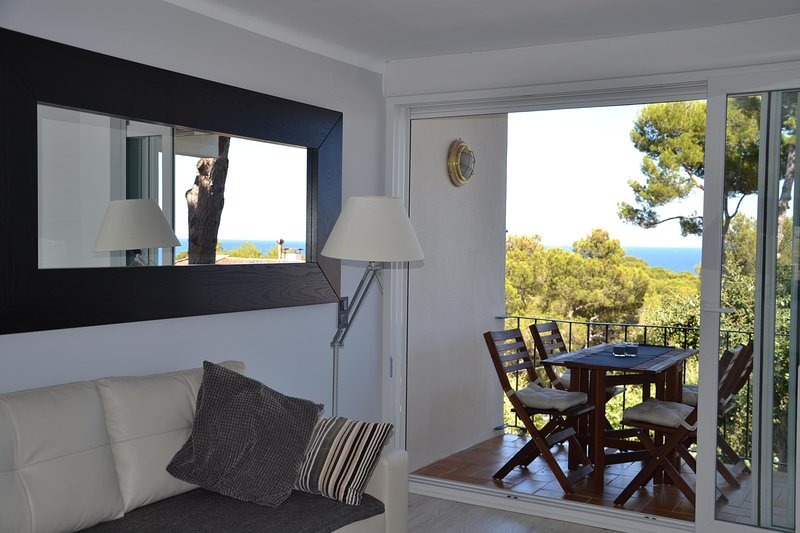 Apartamento recién reformado a 300 metros del mar, vacation rental in Palafrugell