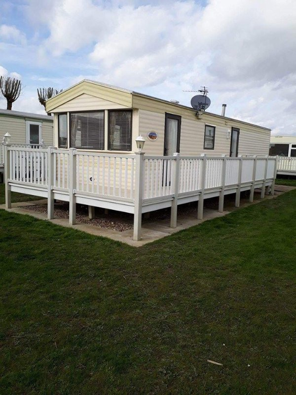 8 Berth 3 bedroom caravan tp51, casa vacanza a Helsey