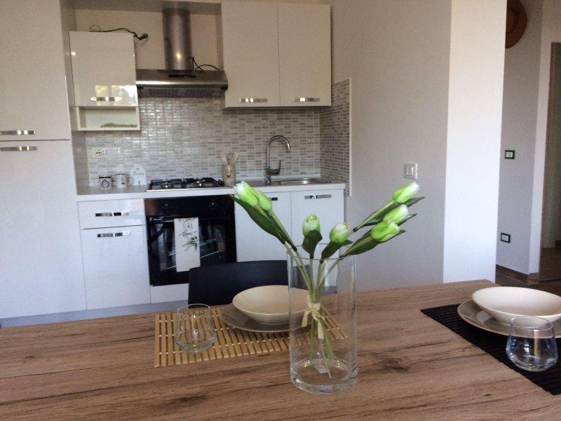 appartamento 4 posti letto vicino al centro di modena ben servito, vacation rental in Ravarino