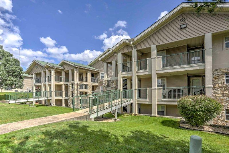Este condominio le otorga acceso a servicios de estilo complejo, incluyendo una bañera de hidromasaje.