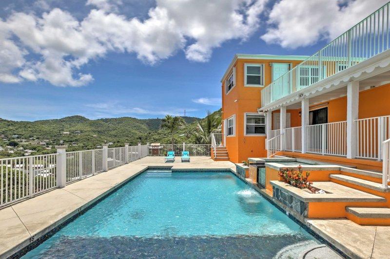 Ti piacerà rilassarti a bordo piscina o immergerti nella spa privata.