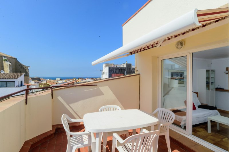 Costabravaforrent Masferrer 7, up to 4, 300m beach, location de vacances à L'Escala