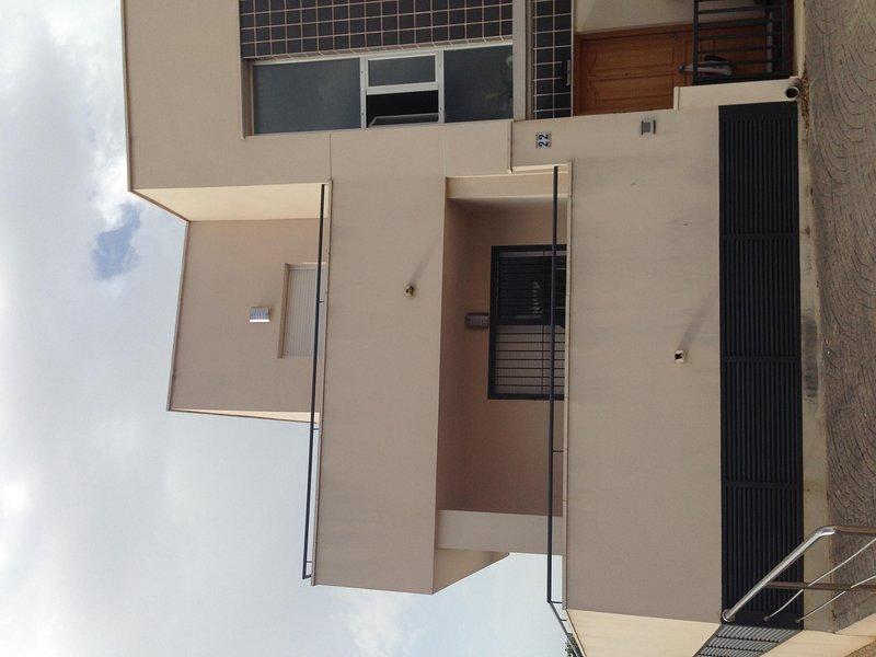 Início canto - - frente da casa - dois níveis de terraços amplos sem vizinhos