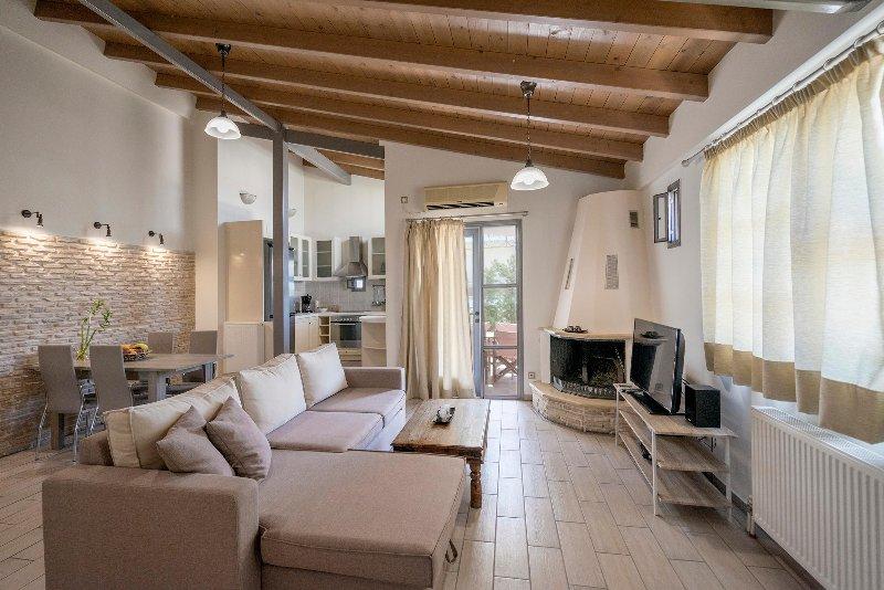 valashouse loft2, holiday rental in Vrilissia