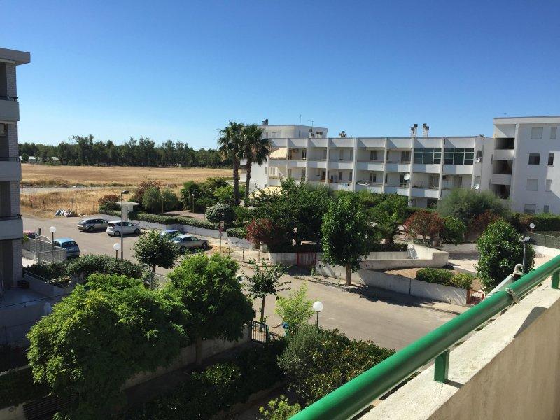 Ampia casa vacanza a Marina di lesina in zona residenziale tranquilla, location de vacances à San Severo