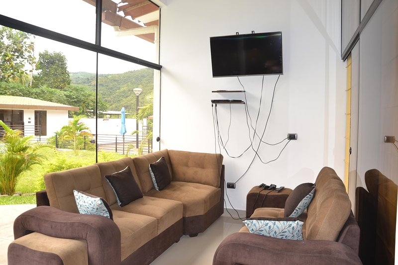 Living room and tv / cable