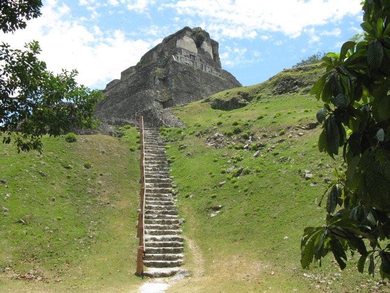 Xunantunich ruinas mayas .... 15 minutos en coche