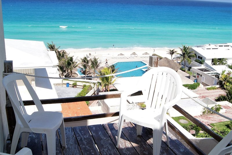 Astonishing 2 bed, 2.5 bath, with poolside and beach front view from balcony