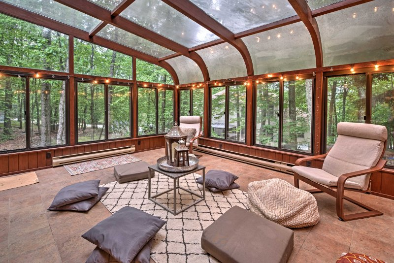 A day spent in this zen sun room will have you feeling relaxed in no time.