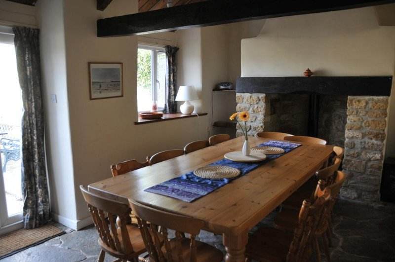 Tanglewood Cottage, Lancombes House, location de vacances à Toller Porcorum