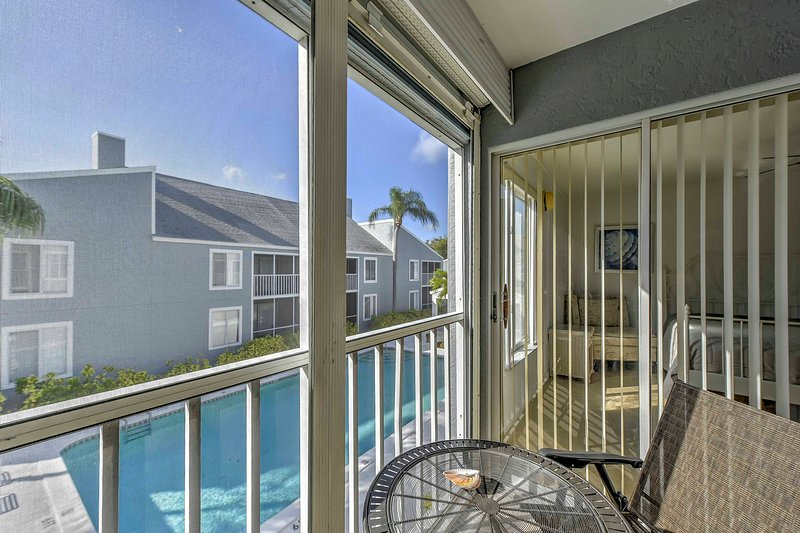 Marco Island Condo w/ Prvt Balcony & Pool Access!, holiday rental in Everglades City