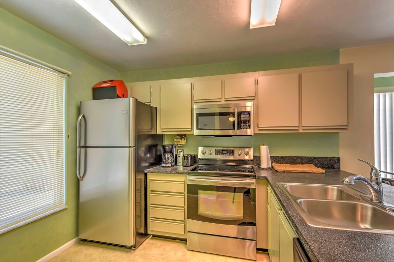 The vacation rental condo has a fully equipped kitchen!