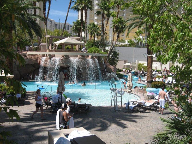 Waterval in het MGM Grand zwembad met gratis toegang voor onze gasten