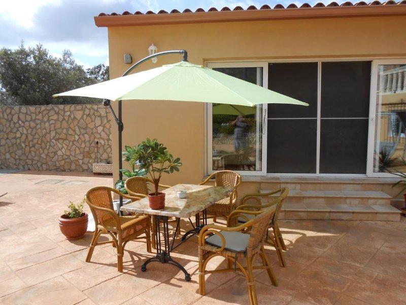 Villa la Sala  maximaal 12 personen met ZWEMBAD VOOR 4 VILLA,S, location de vacances à Llosa de Camacho