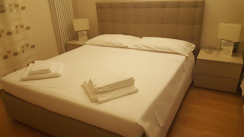 La Petite Maison du Port 'Luxury Apartment & Loft', vacation rental in Cola