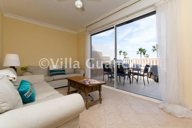3 bedroom villa 5 minutes walk from beach, holiday rental in Palm-Mar
