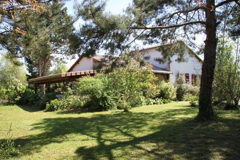 studio étape  voyage et vacances  poitiers, vacation rental in Chauvigny