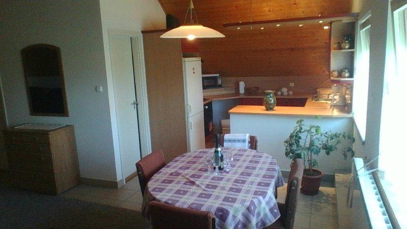Sára Vendégház Upstairs, holiday rental in Keleviz