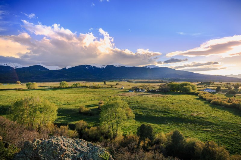 Beautiful rural setting - 12mi north of Westcliffe, 12mi south of Arkansas River