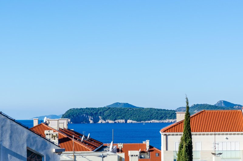Relax A3- Apartment with two balkonies and sea view, alquiler de vacaciones en Dubrovnik