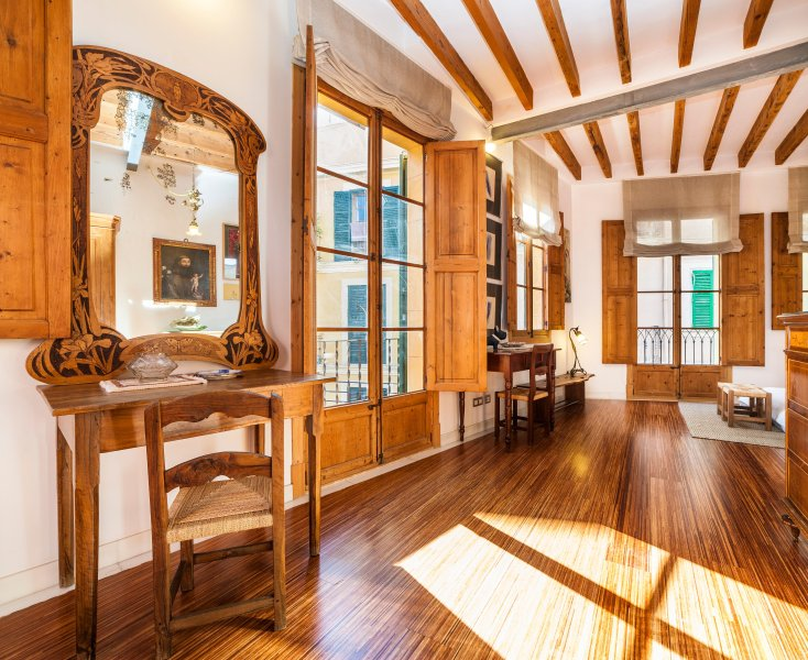 Casa Jaume - Jugendstilhaus im historischen Zentrum, mit Garage, alquiler de vacaciones en Palma de Mallorca
