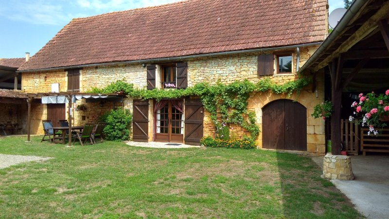 A restored barn close to St Martial de Nabirat, holiday rental in Saint-Martial-de-Nabirat