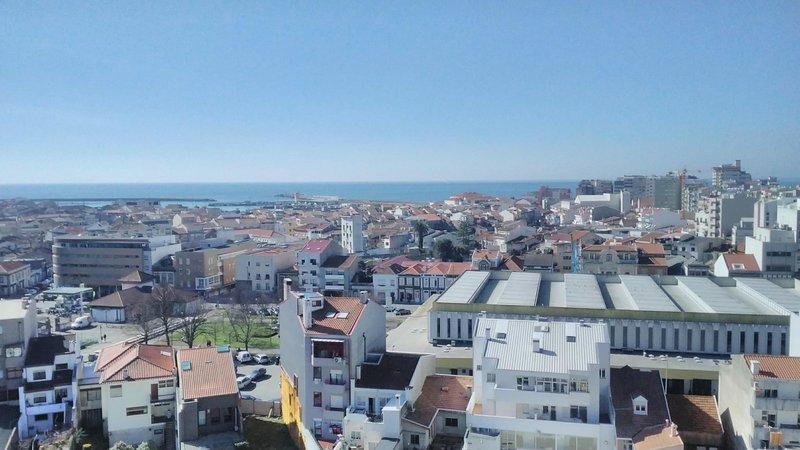PanoramicPlace ChillHouse, holiday rental in Travassos