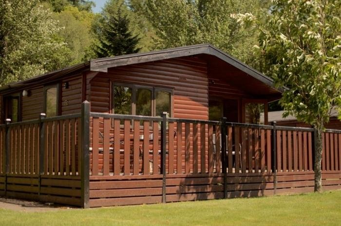 Spacious lodge-Caol Gleann is a luxurious three bedroomed chalet on Loch Lomond, aluguéis de temporada em Arrochar