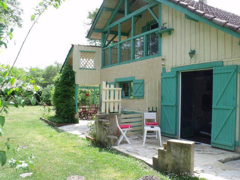 Maison (entrée face nord) terrasse chambre