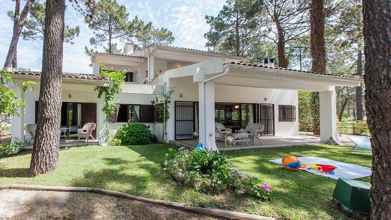 Villa Dalia - New, holiday rental in Charneca da Caparica