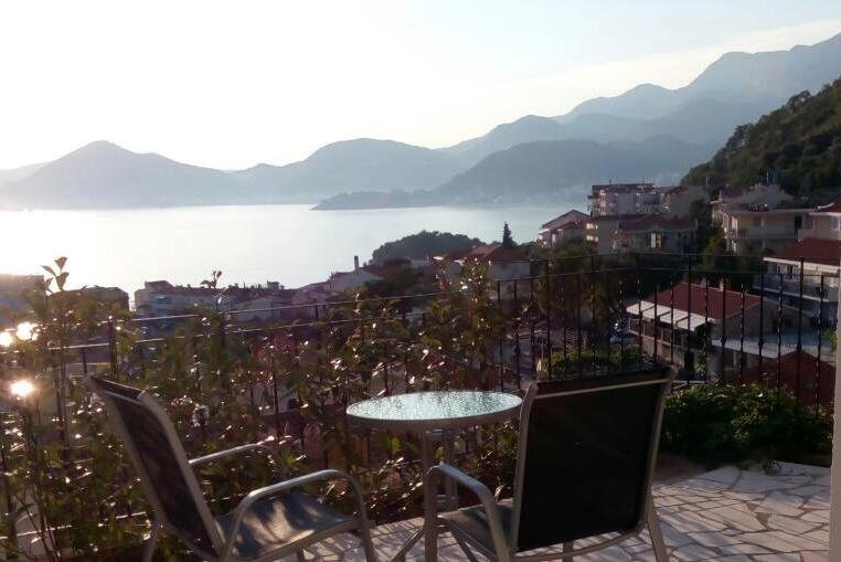 Studio 1 (Sleeps 2), holiday rental in Sveti Stefan