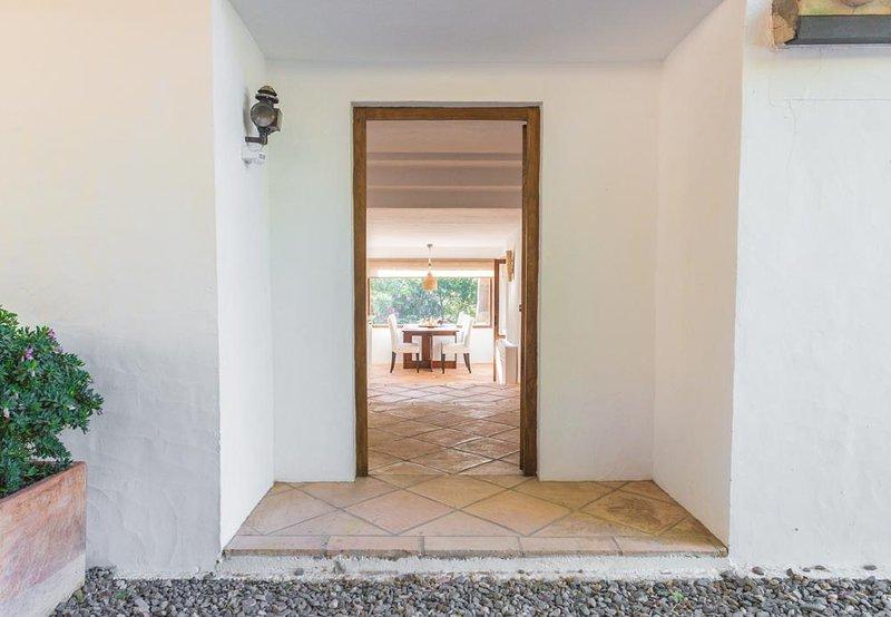 Entrance Suite Wind