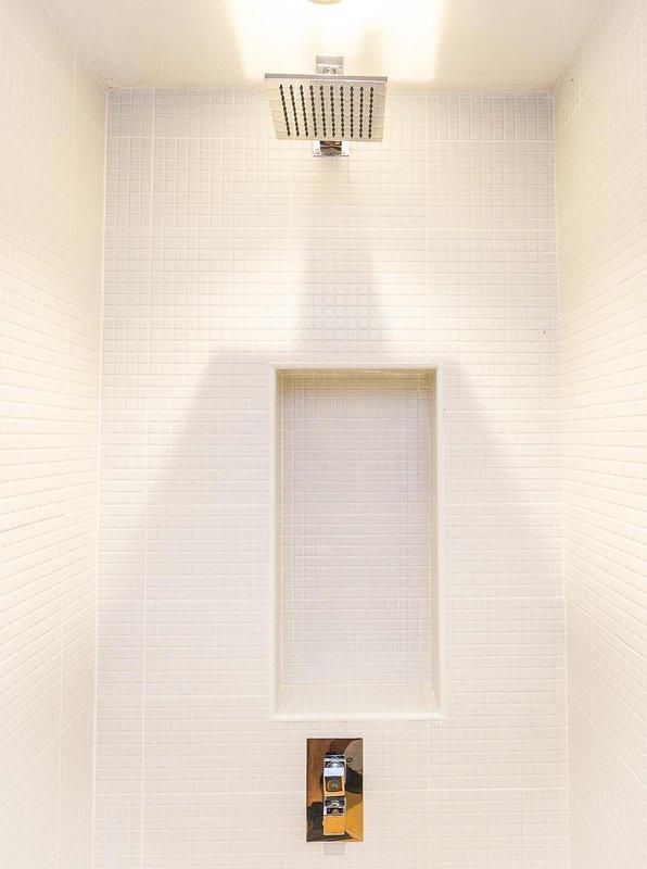 Small bathroom suite wind