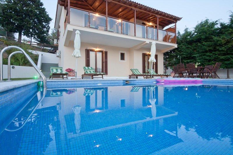Four Seasons Villas - 'Autumn', vacation rental in Troulos