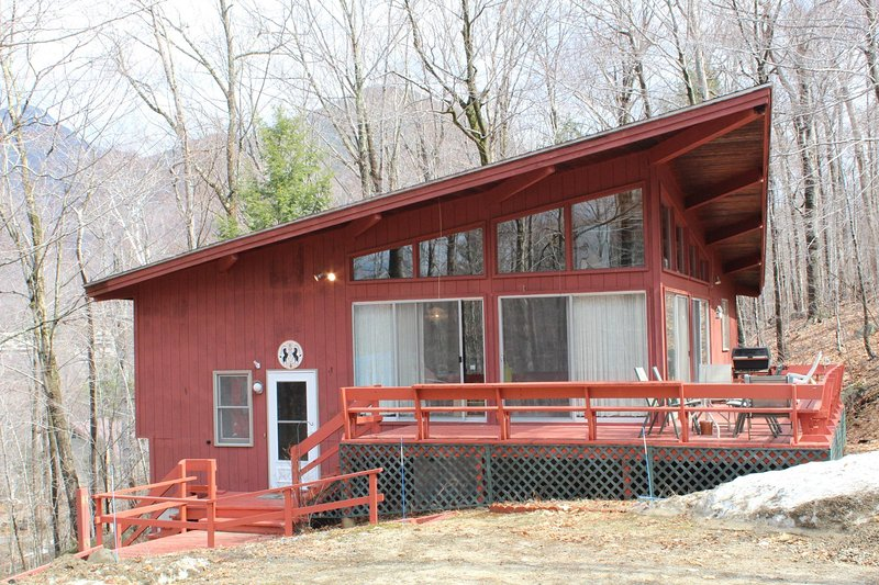 Great ski retreat on Loon - Review of 3 BEDROOM FAMILY VACATION HOME