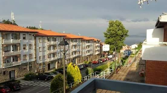 DESCRIPCIÓN:  VIVIENDA EN EL BONITO PUEBLO DE LASTRES. SE DISTRIBUYE EN 2 PLANTA, vacation rental in Lastres