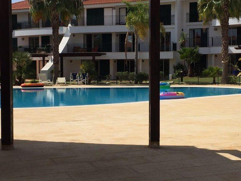 Het zwembad is een korte loopafstand