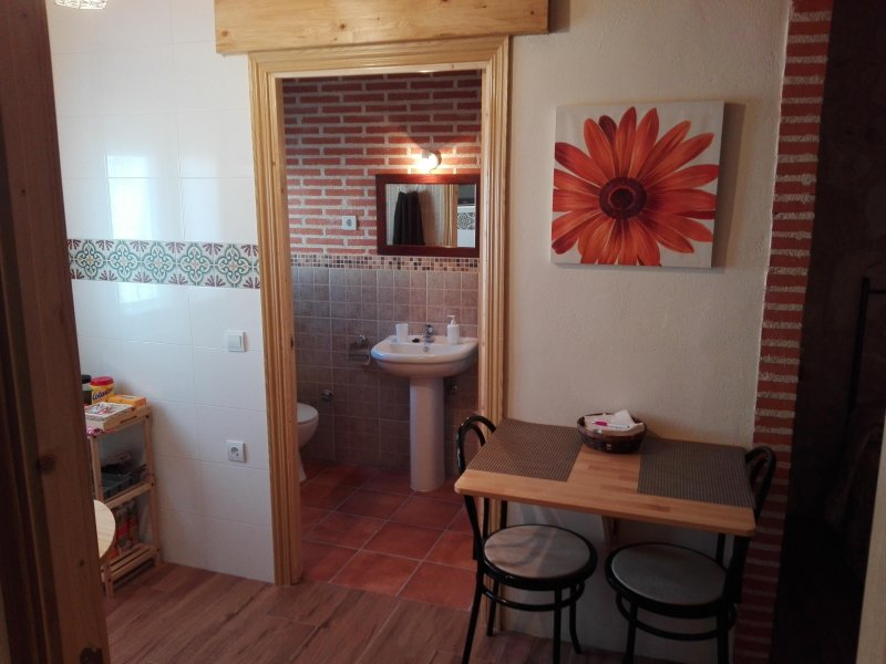 Apartamento rural para 2 personas cerca de Avila, holiday rental in Nava de Arevalo
