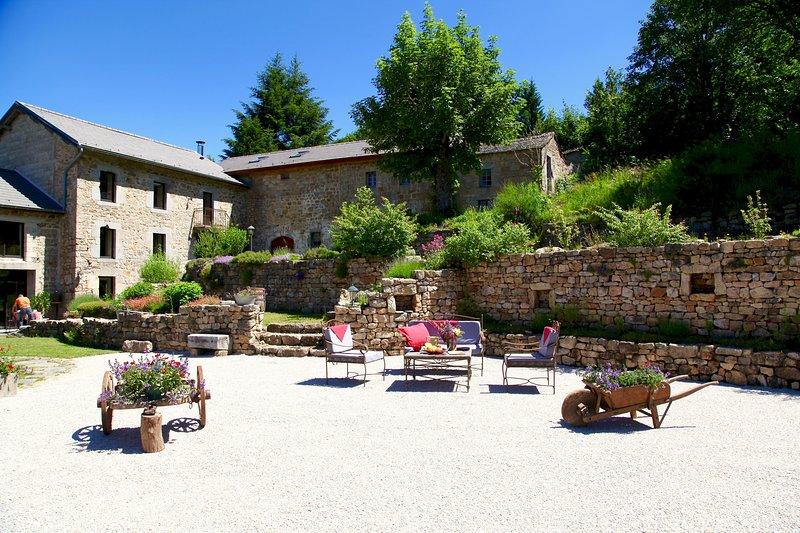 MOULIN DE MONTABONNEL . Location en pleine nature en Haute-Ardèche., location de vacances à Saint-Bonnet-le-Froid