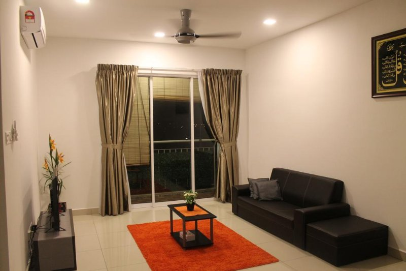 Cozy Crib, holiday rental in Sri Kembangan