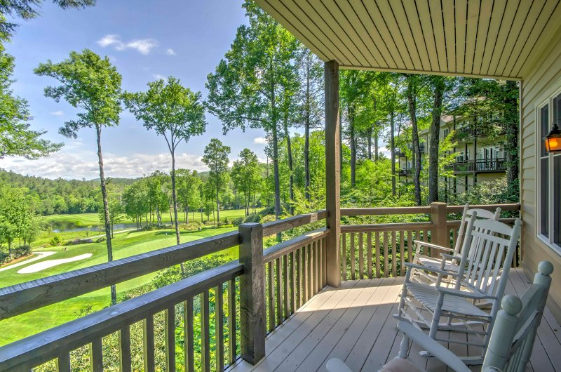 A memorable retreat awaits you at this 3-bedroom, 3-bathroom Highlands vacation rental condo situated on a golf course.