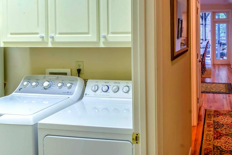 No need to pack your whole wardrobe - you'll have laundry machines in the condo!