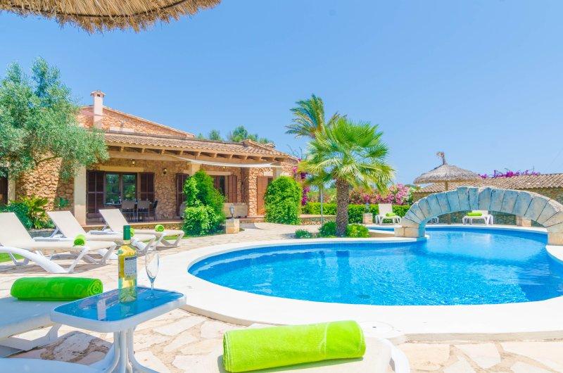 SON BERGA O CAN REVELL - Villa for 8 people in Sant Llorenç Des Cardassar, vacation rental in Porto Cristo