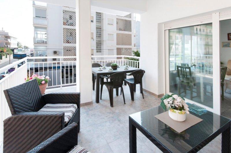 ORENETA - Apartment for 8 people in Playa de Gandia, holiday rental in Grau de Gandia