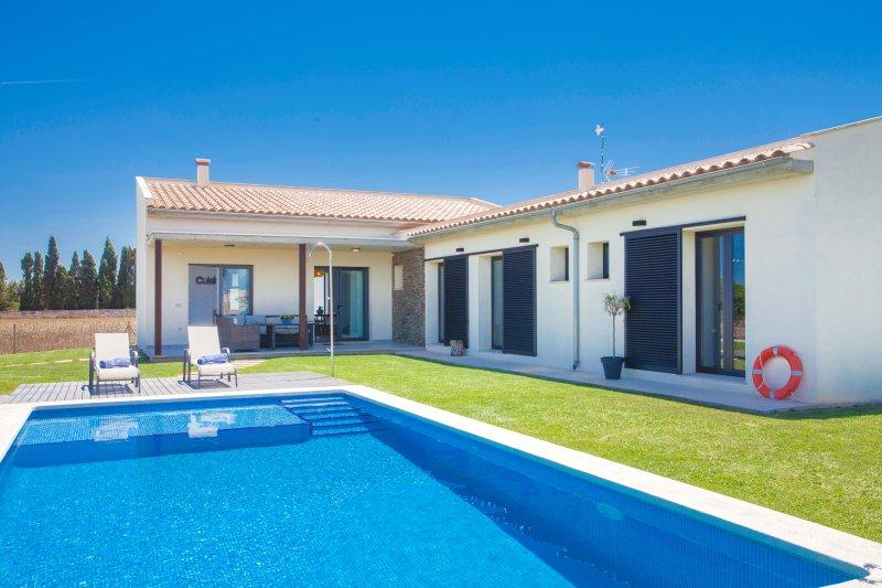 TRAMUNTANA (MALVASIA) - Villa for 6 people in MURO, holiday rental in Muro