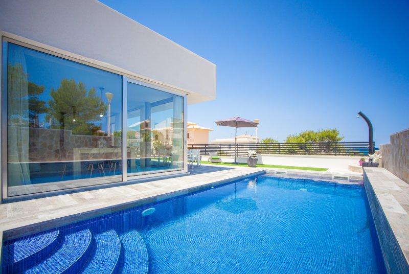 ES MOLLET - Villa for 6 people in son Serra de Marina, holiday rental in Son Serra de Marina