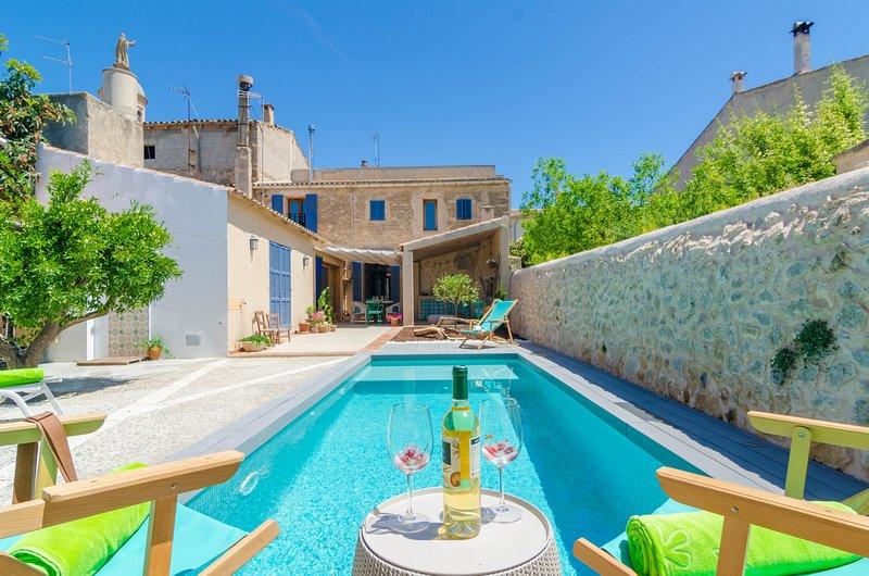 CA NA SIONA - Villa for 7 people in Vilafranca de Bonany, holiday rental in Vilafranca de Bonany
