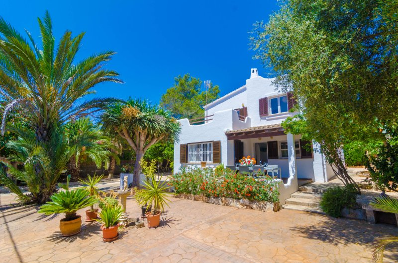 PEDRA BLANCA - Chalet for 9 people in Cala Pi, vacation rental in Cala Pi